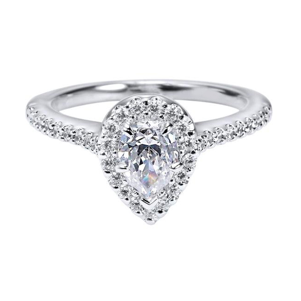 Pear Cut Engagement Rings Toronto
